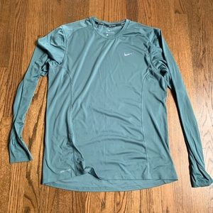 AUTHENTICE NIKE DRI FIT RUNNING LONG SLEEVE SHIRT